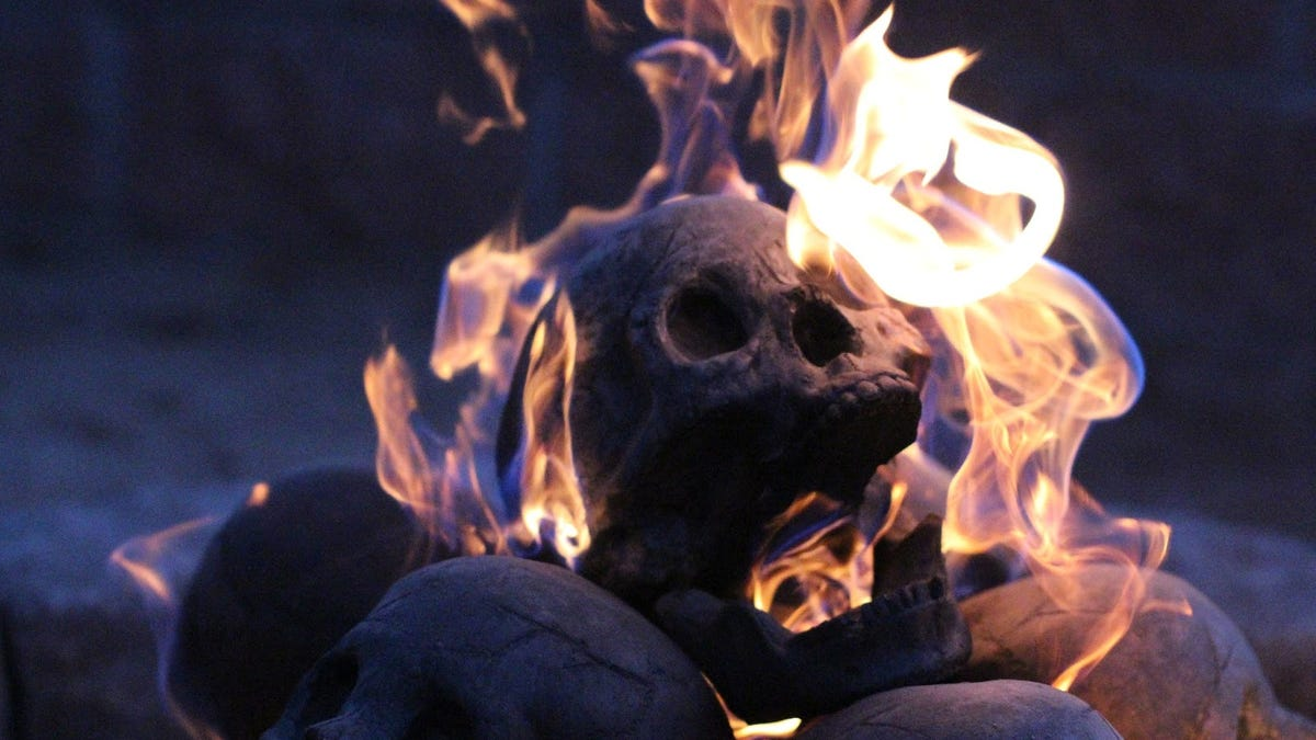 A flaming pile of skulls is the perfect backyard accessory for 2017 voltagebd Images