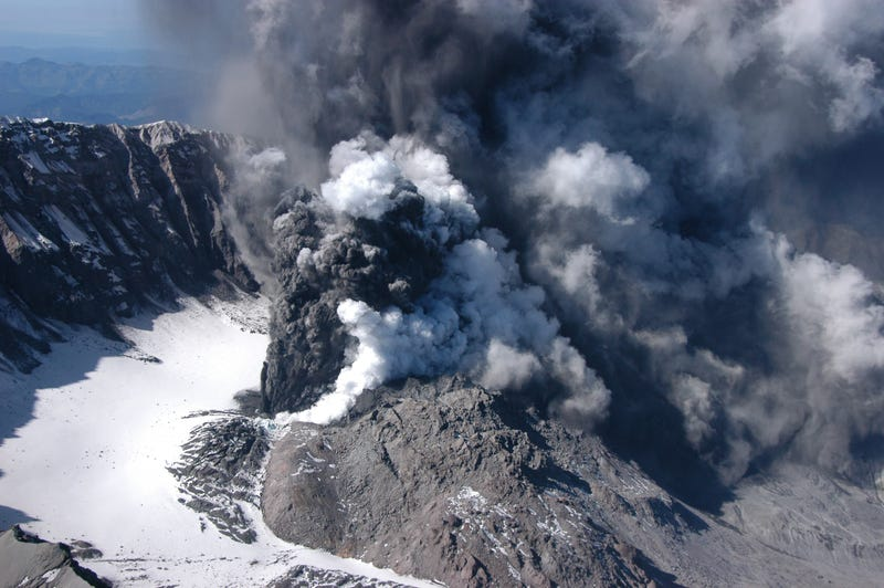 Illustration for article titled Why Aren't We Fully Monitoring These Active Volcanoes in the U.S.?