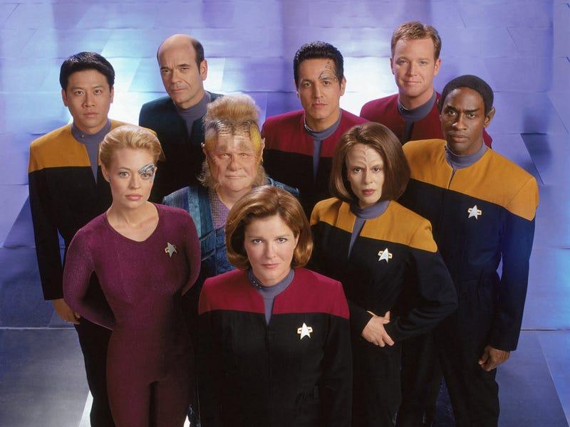 Illustration for article titled Star Trek Voyager Binge!