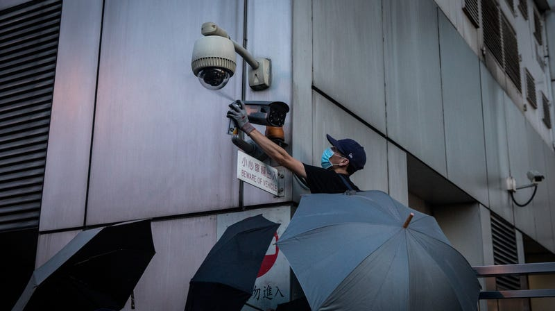 Illustration for article titled How Hong Kong's Protestors Are Hindering (and Hijacking) the Tools of Surveillance