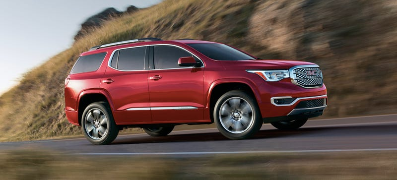 Illustration for article titled The 2017 GMC Acadia Looks Like A Step Toward Extinction For Huge SUVs