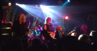 Illustration for article titled L7 Just Played Their First Show in 18 Years