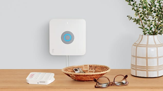 Amazon Just Built a Mesh Router Into Its Home Surveillance System