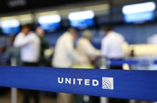 Illustration for article titled Muslim Woman Says She Was Discriminated Against on United Flight