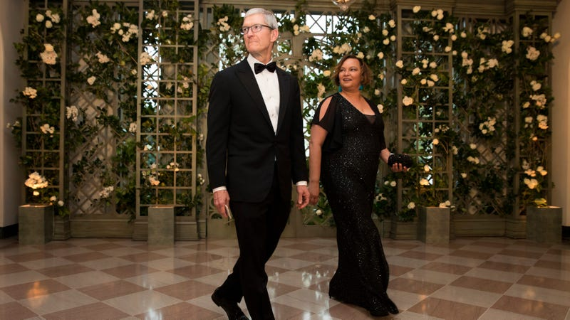 Apple CEO Tim Cook and former EPA administrator Lisa Jackson at the White House state dinner on Tuesday.