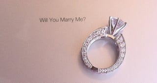 Illustration for article titled Will You Marry Me? There's an Engraved iPad 2 in It For You...