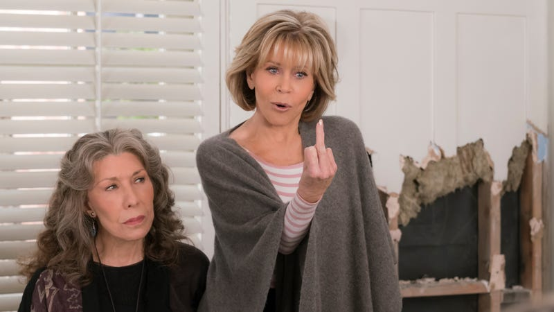 c5ddabc2430f8b Lily Tomlin and Jane Fonda star in Grace And Frankie (Photo: Melissa  Moseley/