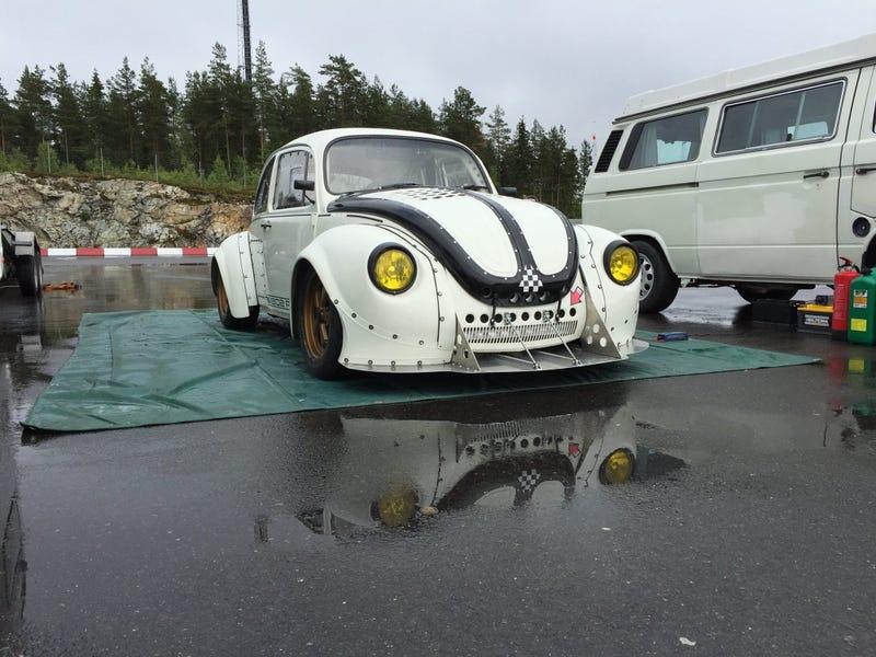 Illustration for article titled VW beetle with Litre-bike engine.