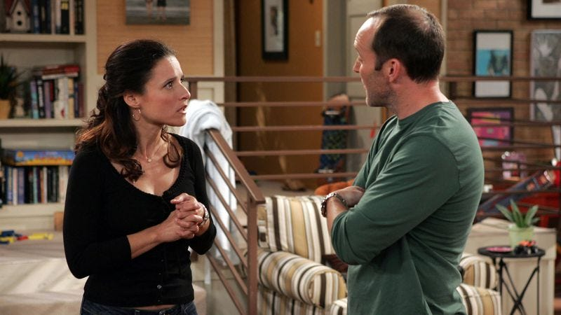 Julia Louis-Dreyfus and Clark Gregg on The New Adventures Of Old Christine (Photo: CBS)