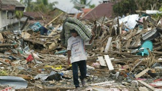 Illustration for article titled Girl Missing Since 2004 Tsunami Turns Up Alive In Indonesia