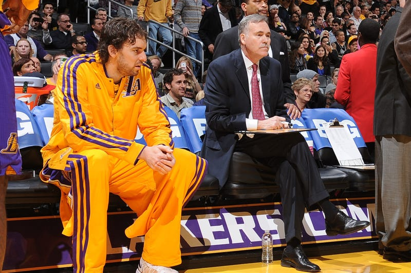 Illustration for article titled Mike D'Antoni Throws Some Major Shade At Pau Gasol