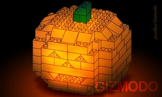 Illustration for article titled How To Build a 3D Lego Halloween Pumpkin