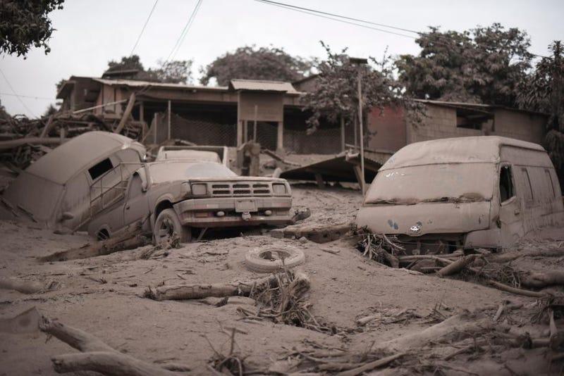 Illustration for article titled La ceniza abrasadora del volcán añade un nuevo problema en Guatemala: no pueden identificar a las víctimas