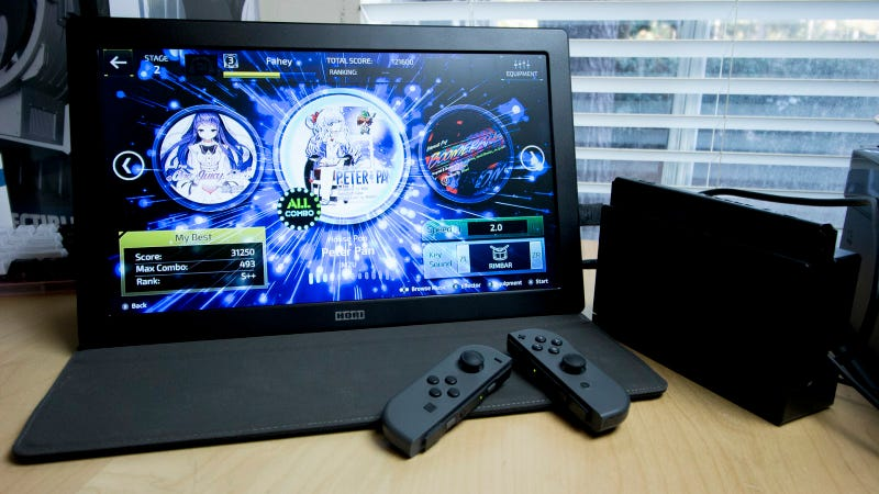 Hori S Portable Gaming Monitor Isn T Pretty But It Works