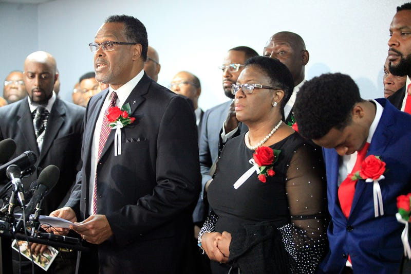 Illustration for article titled Botham Jean's Family Will Sue Amber Guyger, City of Dallas