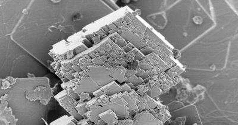 Cristales de magnesita vistos al microscopio electrónico