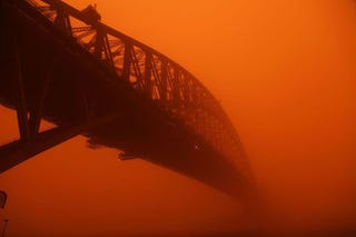 Illustration for article titled Massive Dust Storm Turns Sydney Into Real Life Mad Max