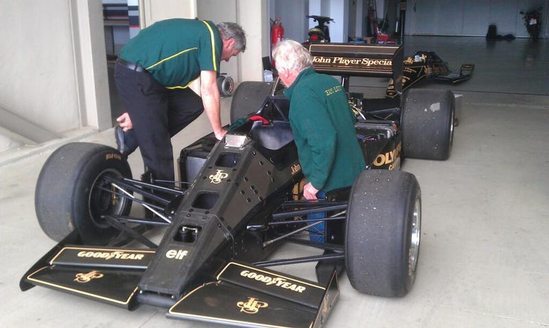 Illustration for article titled Possible Annoucment of Senna's JPS Lotus in GT6 Today?