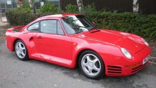 Illustration for article titled Mexican owner sells Porsche 959 after not starting it for 23 years