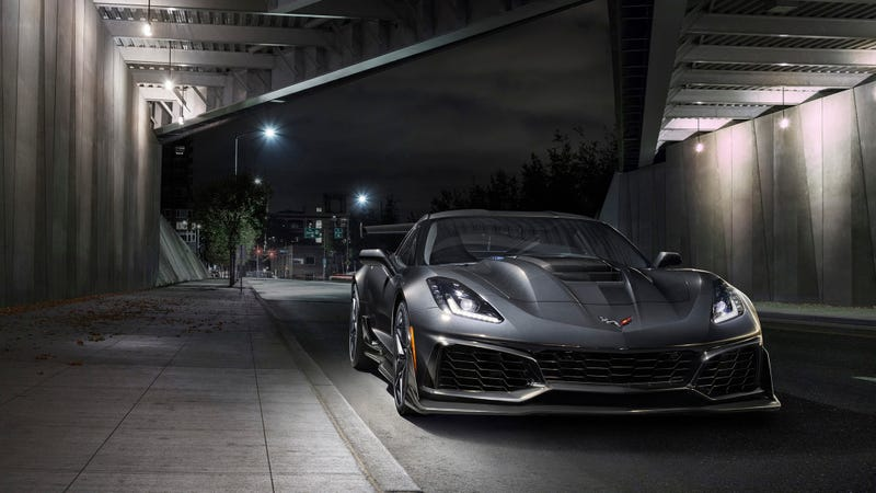 Illustration for article titled C7 Corvette Stock Piles Up As Chevy Dealers Anticipate The C8