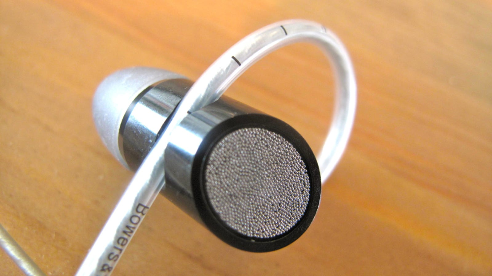 Bowers & Wilkins C5 In-Ear Headphones Lightning Review: Massive Sound, Tiny Buds