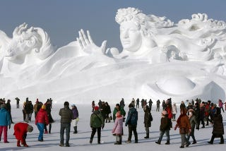 Illustration for article titled China's winter wonderland is filled with incredible ice sculptures
