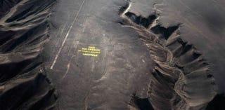 Illustration for article titled Un vídeo grabado con drones confirma los daños de Greenpeace a Nazca
