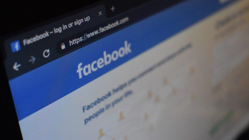 Recibir un recordatorio para felicitar a un amigo que haya fallecido en Facebook puede ser doloroso. Esta semana, la empresa afirmó que dejará de recordarte.