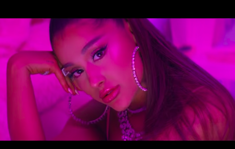 Illustration for article titled Ariana Grande Is Very Sorry For Pissing People Off With '7 Rings'