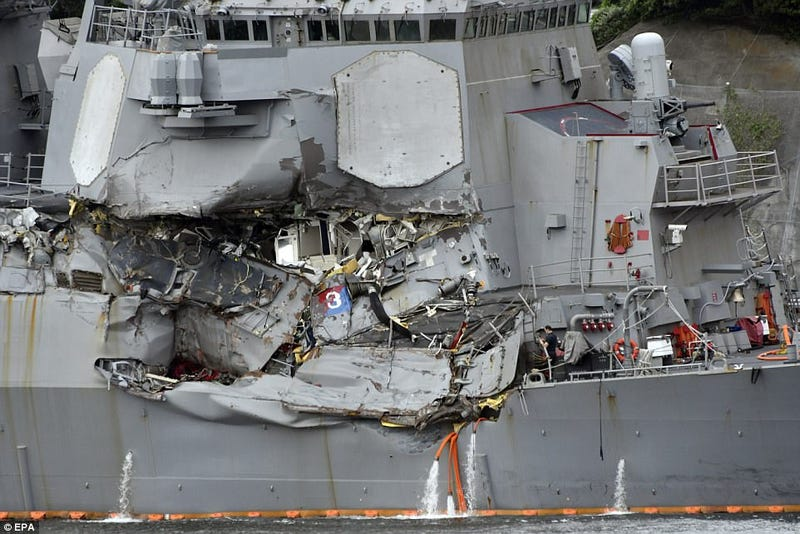 Illustration for article titled Why The Destroyer Crash That Killed Seven U.S. Sailors Doesn't Make Sense