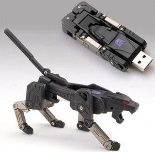Illustration for article titled Ravage Transformer USB Drive Will Hold 2GB (Or Roughly 2000 Pictures of Megan Fox)