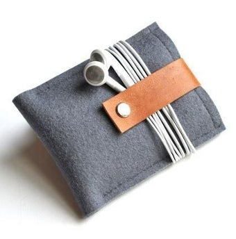 Illustration for article titled Wool Felt Cases Give Your Gadgets a Plush Life