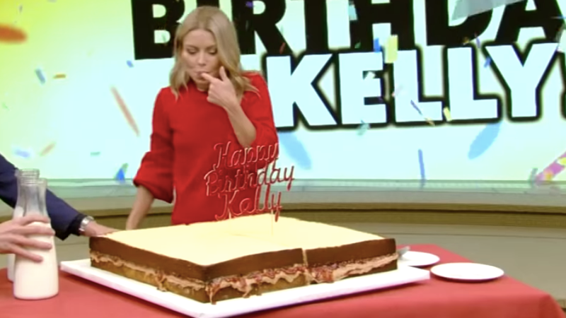 Illustration for article titled Is Kelly Ripa's gigantic PB&J birthday cake a sandwich?