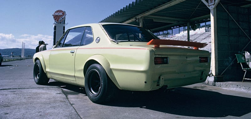 Illustration for article titled What's This Metal Tube On This Glorious Classic Skyline GT-R?