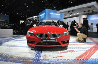 Illustration for article titled VIDEO: The 2010 Detroit Auto Show In 60 Seconds