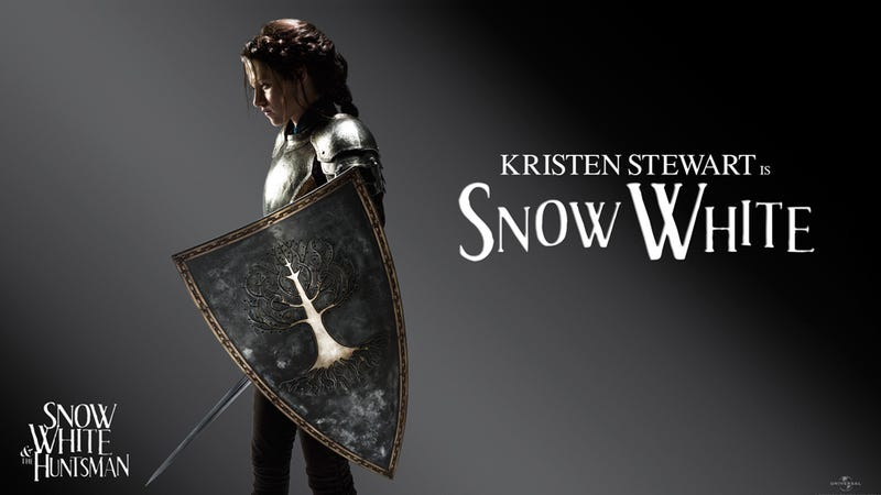Illustration for article titled Kristen Stewart's Snow White Is A Weapon-Wielding Warrior
