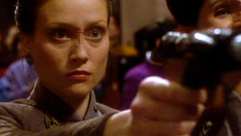 """Neela attempts to assassinate Vedek Bareil in """"In Hands of the Prophets,"""" one of the major catalysts of Deep Space Nine's early conflict over the Bajorans."""