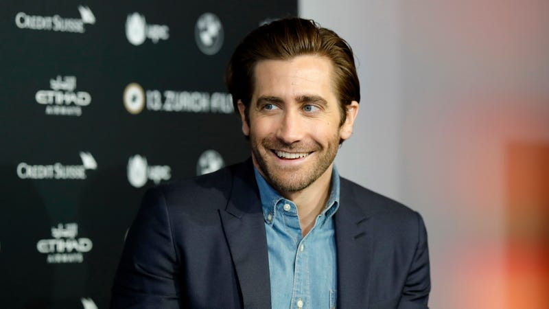 Illustration for article titled Jake Gyllenhaal joins social media to yell about superheroes, as all men inevitably must