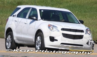Illustration for article titled 2010 Chevy Equinox Testing In Nearly Showroom Ready Guise