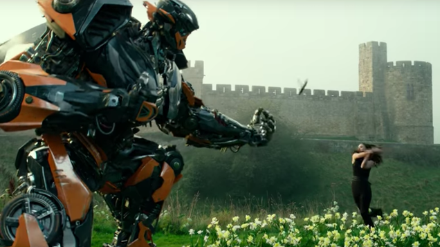 the latest transformers the last knight trailer is all explosions and madness