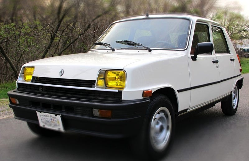 Illustration for article titled For $4,700, Could This 1983 Renault R5 Be Le Wonderful?