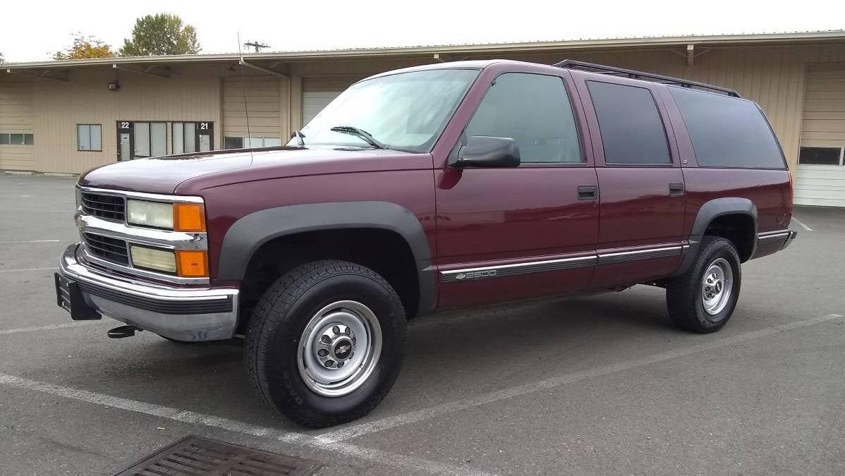 at $2,500, is this 1999 chevy suburban a bargain even when not 1999 Chevy Suburban Roof Rack at $2,500, is this 1999 chevy suburban a bargain even when not considered by dollar per foot?