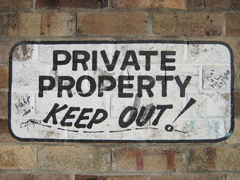Illustration for article titled Should Private Be the Default on the Internet?