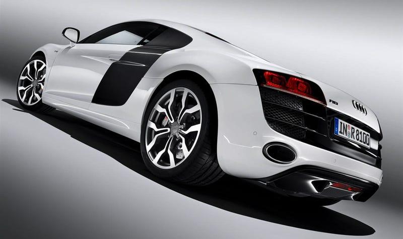 Illustration for article titled Audi R8 V10: Full Details, More Images