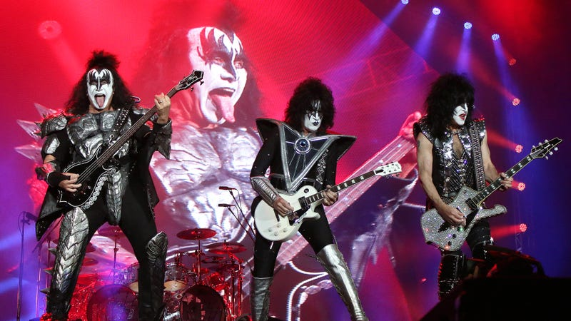 Illustration for article titled Clearing Things Up: KISS Has Announced That All Of Their Sex Songs Are About Having Sex With Human Women Even Though They're Dressed Up As Demons And Aliens And A Cat