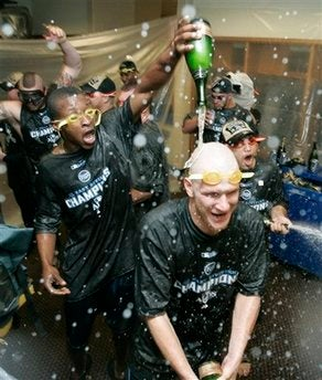 Illustration for article titled Tampa Bay Rays Win AL East in Fitting Fashion