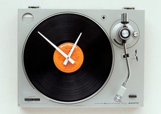 Illustration for article titled Spin Time Instead of Records On This Old Turntable