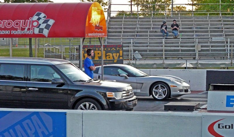 Illustration for article titled EcoBoost Goes Drag: Ford Flex, Lincoln MKS Hit The Strip