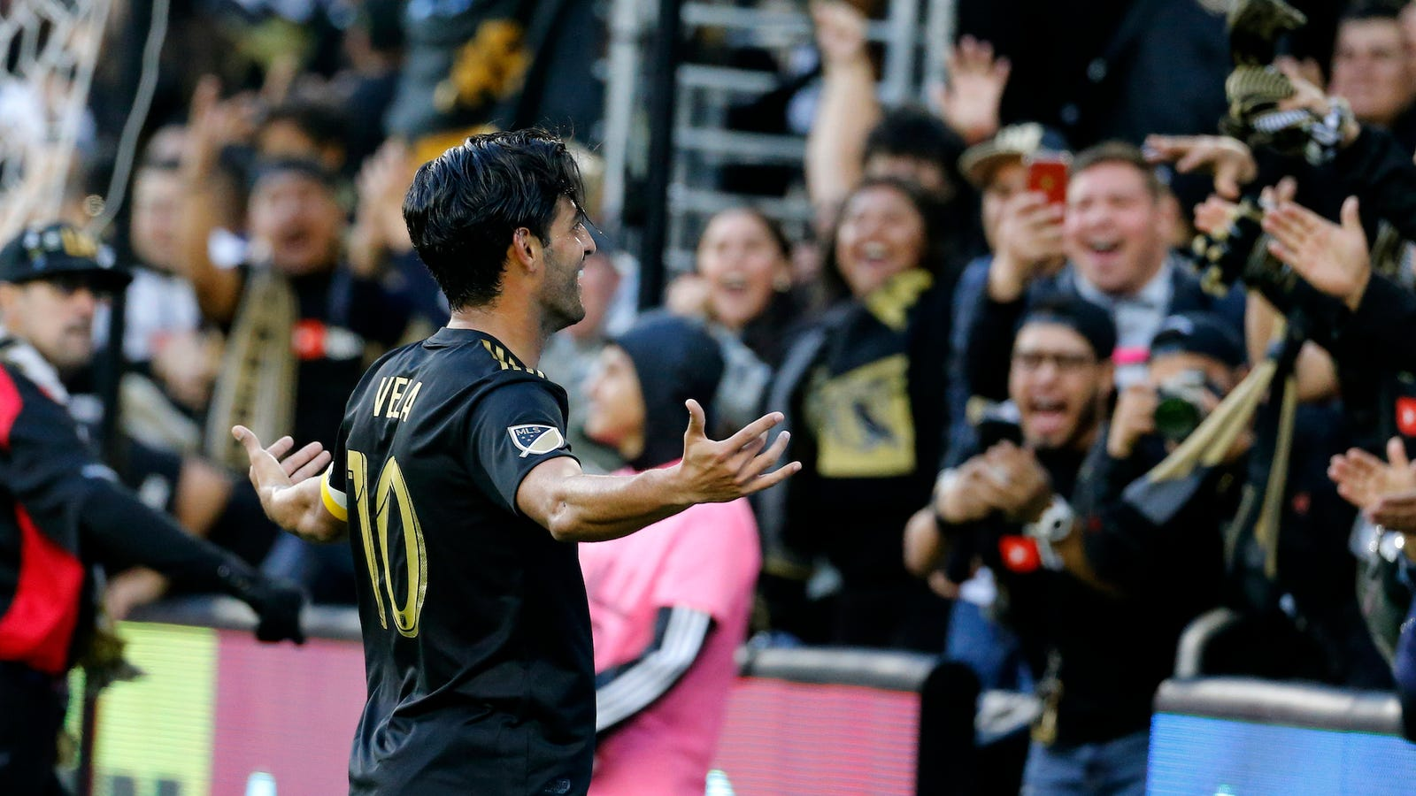 1bd6bc9a3 MLS Has Turned Carlos Vela Into Lionel Messi