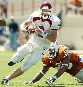 Illustration for article titled Hurricane Ike Takes Arkansas-Texas Game As College Football Victim?